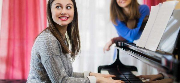 Piano | Estrada